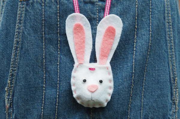 Bunny Pouch Necklace 2 1